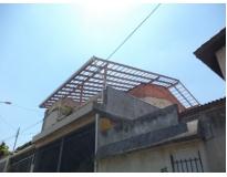 estrutura de madeira em telhados na Vila Matilde