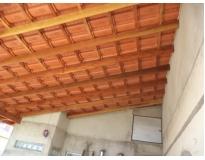 cobertura com estrutura de madeira