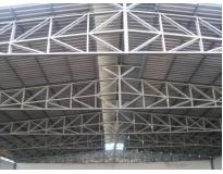estrutura de metal
