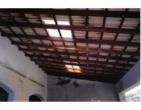 galpão com estrutura de madeiras no Bairro do Limão