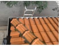 manutenção de calhas e telhas na Vila Curuçá