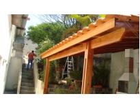 telhados com estrutura de madeira em Moema